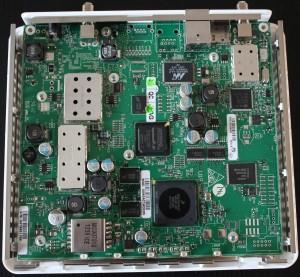 Vue interne du modem Astra 2F